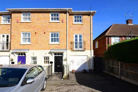 4 bedroom townhouse for sale - Palmerston Road, Buckhurst Hill, Essex