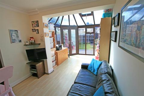 2 bedroom end of terrace house for sale - Gladwell Road, Bromley, Kent