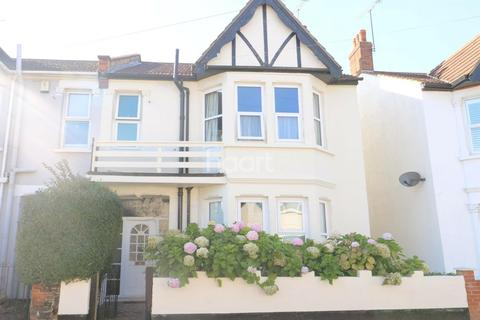 4 bedroom semi-detached house for sale - Westbourne Grove, Westcliff-on-sea