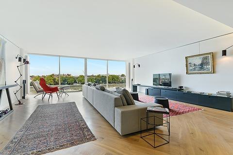 2 bedroom flat to rent - Riverside One, Hester Road, Battersea, SW11