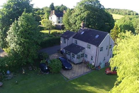 3 bedroom farm house for sale - Dilhorne Road, Staffordshire, ST10 2PH