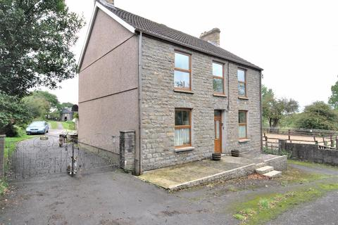 3 bedroom property with land for sale - Trimsaran, Kidwelly