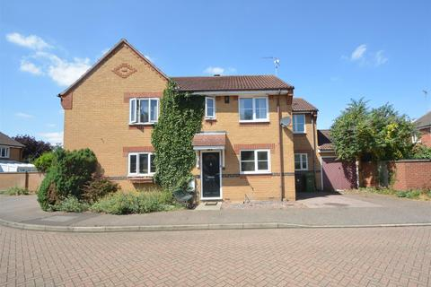 3 bedroom house for sale - Coltsfoot Drive, Peterborough