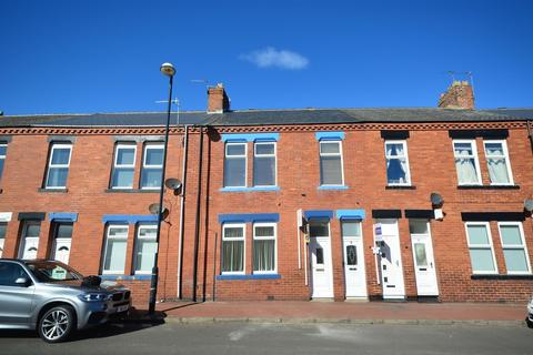 2 bedroom apartment for sale - Sandringham Terrace, Roker, Sunderland