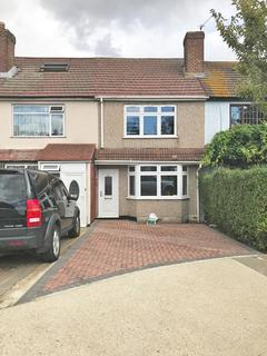 3 bedroom terraced house to rent - Heaton Close, Harold Hill, Romford, Essex RM3