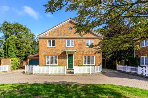 4 bedroom detached house to rent - The Lawns, Ascot, Berkshire