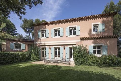 6 bedroom detached house  - Villeneuve Les Avignon, Gard, Languedoc-Roussillon