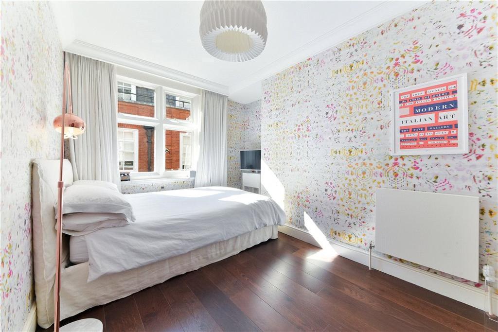 Ec2v: Bedroom