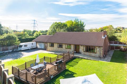 4 bedroom bungalow for sale - Lawns Lane, Carr Gate, Wakefield, West Yorkshire