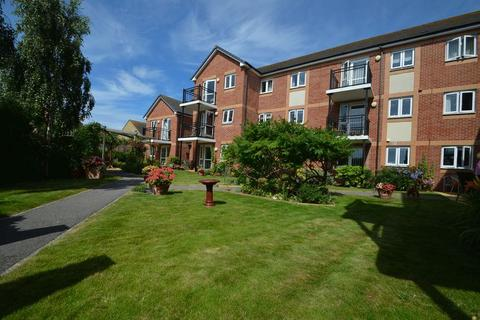 1 bedroom retirement property for sale - POSITIONED IN A HIGHLY REGARDED RETIREMENT COMPLEX, A ONE BEDROOM SECOND FLOOR APARTMENT.