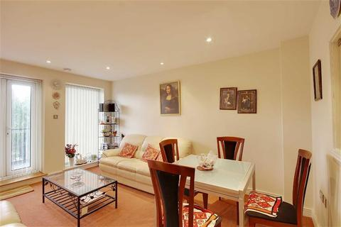 2 bedroom apartment to rent - Central House, London
