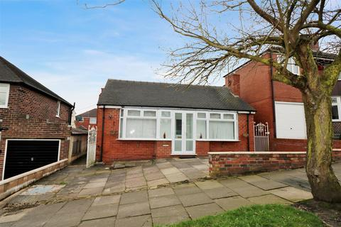 2 bedroom detached bungalow for sale - Abbotts Drive, Sneyd Green, Stoke-On-Trent