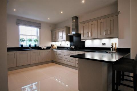 5 bedroom detached house for sale - South Lane, Sutton Valence, Maidstone