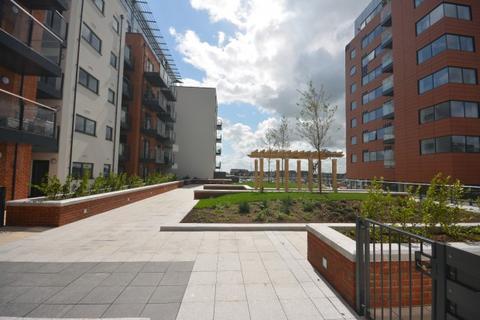 2 bedroom flat to rent - Blake Building Admirals Quay, Ocean Village, Southampton, SO14