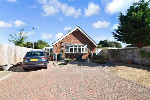2 bedroom detached bungalow for sale - Roundstone Lane, East Preston, West Sussex
