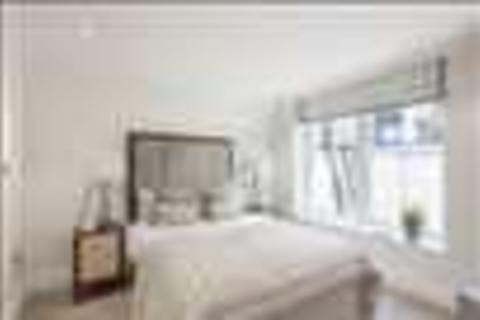 3 bedroom apartment to rent - Garden House, 86-92 Kensington Gardens Square, London, W2