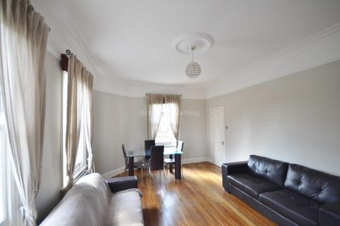 3 bedroom apartment to rent - Thornbury Road, Brixton SW2