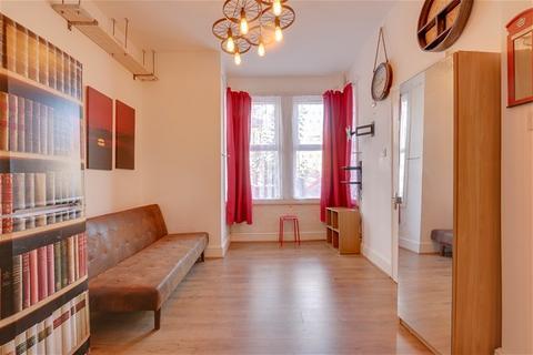 1 bedroom flat for sale - Elizabeth Road, London