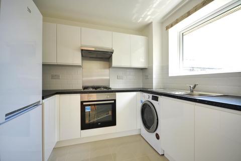 2 bedroom apartment to rent - Aylsham Drive, Ickenham UB10 8UJ