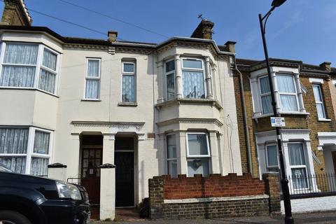 1 bedroom flat for sale - Albert Road, Southend-On-Sea