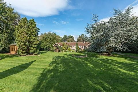 5 bedroom detached house for sale - Runnymede Road, Darras Hall, Ponteland, Newcastle Upon Tyne