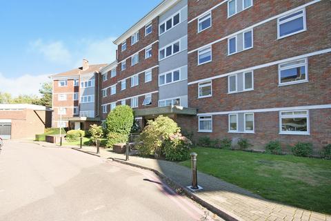 2 bedroom flat to rent - Courtlands, Richmond, TW10