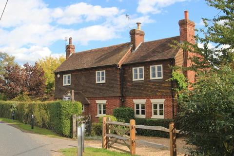 4 bedroom detached house for sale - Maidstone Road, Marden, Kent, TN12 9AG