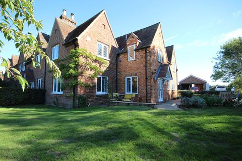 4 bedroom country house for sale - Peakes End, Steppingley, Bedfordshire, MK45