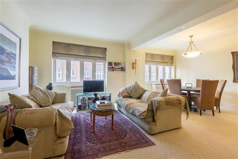 3 bedroom flat for sale - Grove Hall Court, Hall Road, St Johns Wood, LONDON, NW8