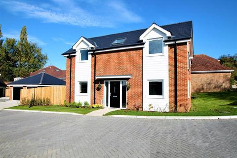 4 bedroom detached house for sale - BEAUTIFUL NEW DEVELOPMENT CLOSE TO RIVER