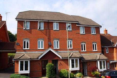 5 bedroom terraced house to rent - Burnham Road, Alton