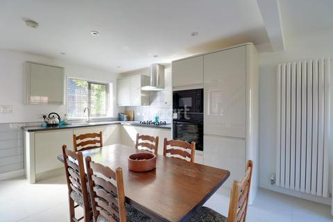 3 bedroom semi-detached house for sale - Cavesson Court, Cambridge