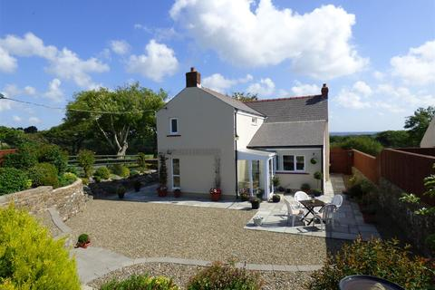 3 bedroom property with land for sale - Clayston Farmhouse, Freystrop, Haverfordwest