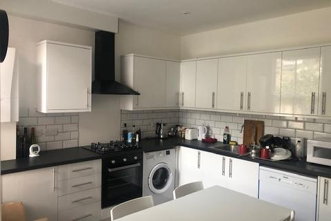 6 bedroom terraced house to rent - Rugby Place, BN2 5JB