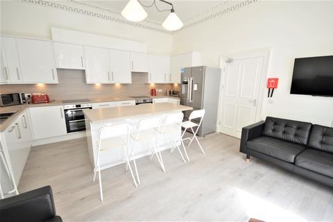 6 bedroom flat to rent - Bernard Terrace, Edinburgh EH8