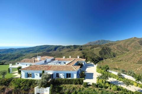 4 bedroom detached house  - Benahavis, Andalucia, Spain