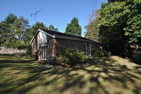 3 bedroom bungalow for sale - Lilliput