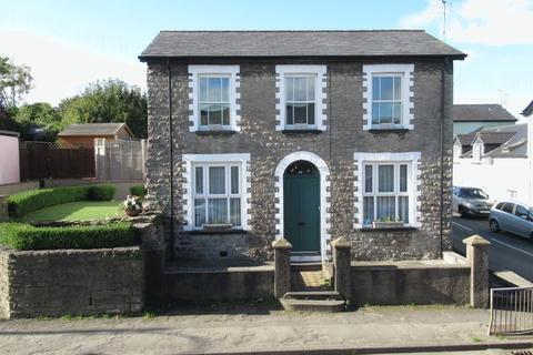 2 bedroom apartment to rent - First floor flat, 22 Eastgate, Cowbridge, Vale of Glamorgan, CF71 7DG