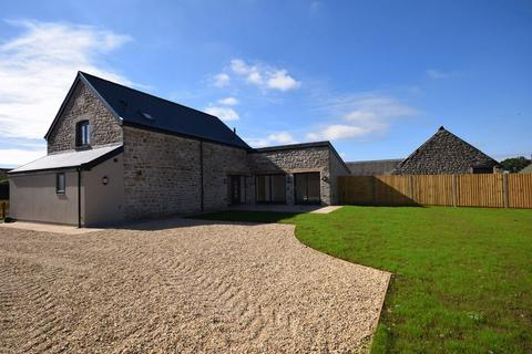 4 bedroom property to rent - The Granary, Tranch, Laleston, CF32 0NR