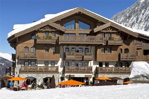 6 bedroom penthouse  - Courchevel Moriond, French Alps