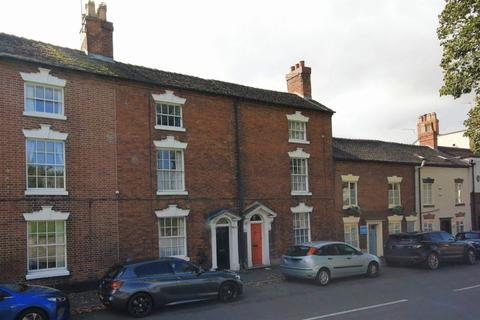 3 bedroom character property - Lichfield Street, Stone, ST15