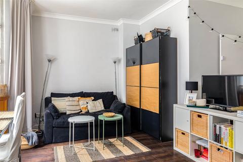 Studio to rent - Cranley Gardens, South Kensington, SW7