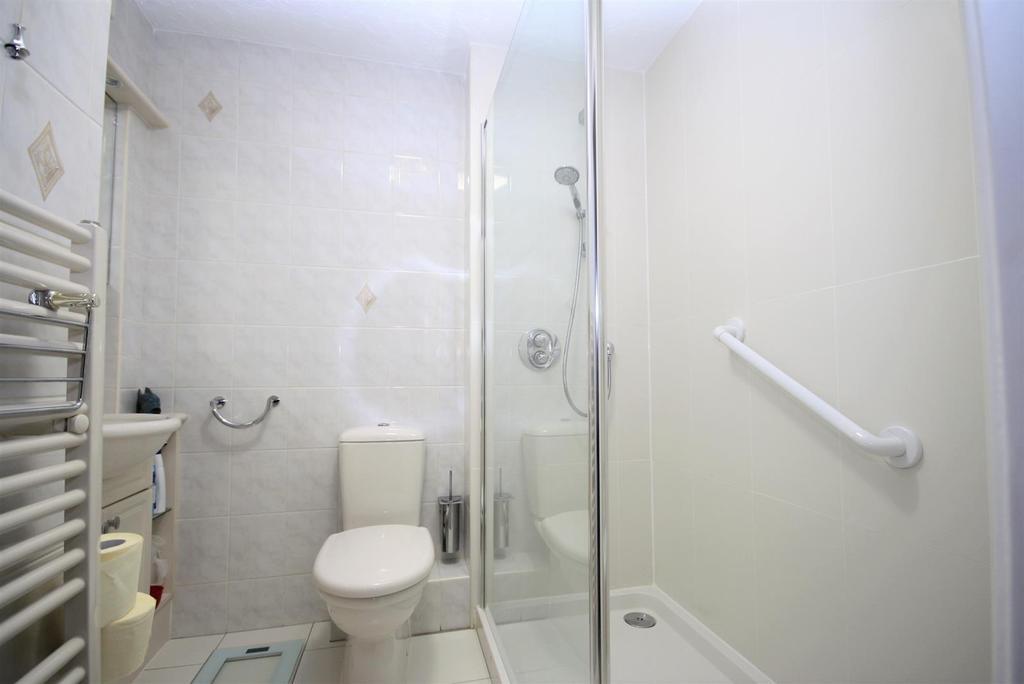 Bathroomm.jpg