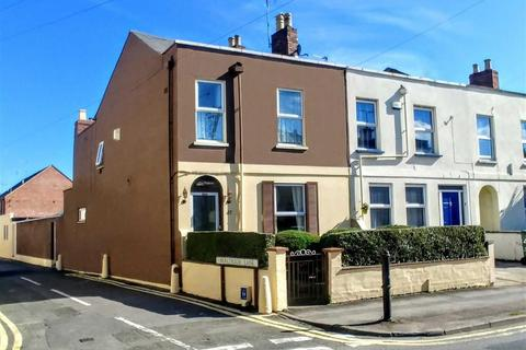 2 bedroom end of terrace house for sale - St Pauls Road, Cheltenham, Gloucestershire