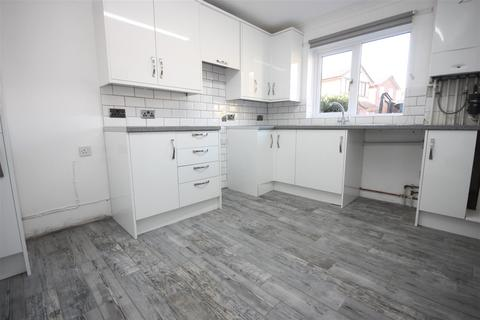 2 bedroom terraced house to rent - Brambling Close, Weymouth