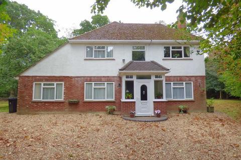 5 bedroom detached house for sale - Oakland Walk, West Parley, Bournemouth, Dorset