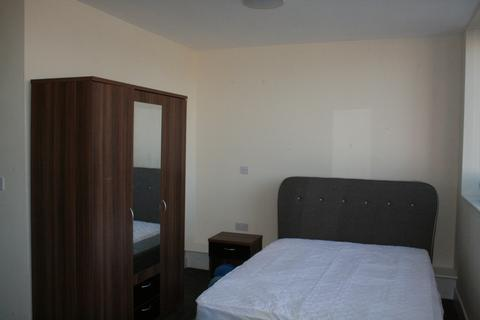 Studio to rent - Clarence Road, City Centre