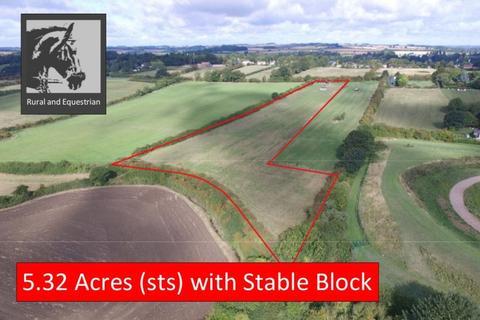Equestrian facility for sale - Hallams Close, Julian Bower, Louth, LN11 9QN