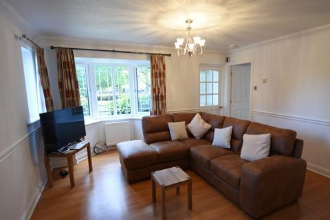 3 bedroom semi-detached house to rent - Alveston Drive, Wilmslow