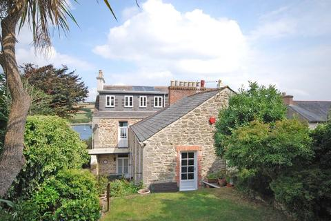 4 bedroom semi-detached house for sale - Tehidy Terrace, Falmouth, South Cornwall, TR11